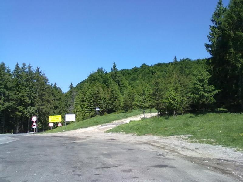 Bratocea Pass