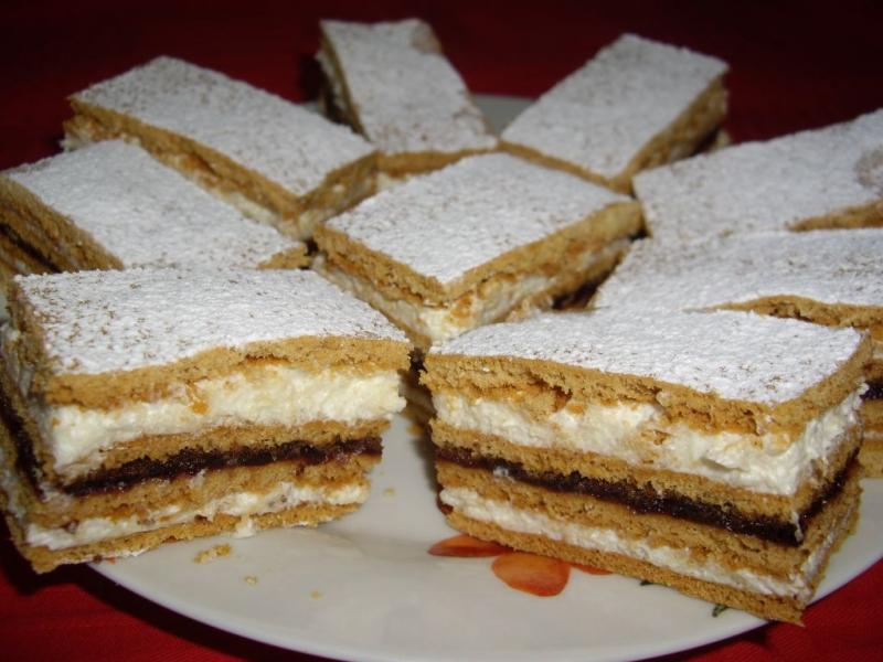 CAKE WITH DIFFERENT FILLINGS SAVA